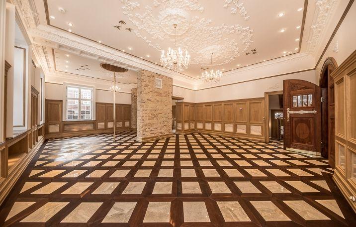 856 m² overdådig kontorejendom gennemført i palæstil
