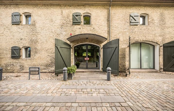 2.580 m² toprestaureret kontordomicil