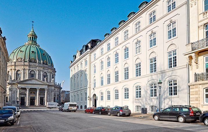 Frederiksgade 17, Dehns Palæ