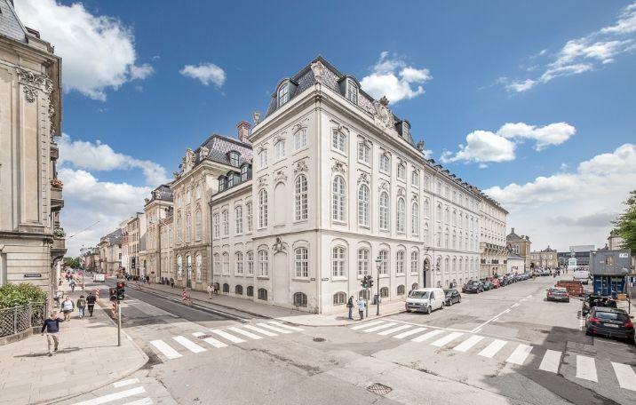 356 m² underetage på hjørnet af Frederiksgade/Bredgade